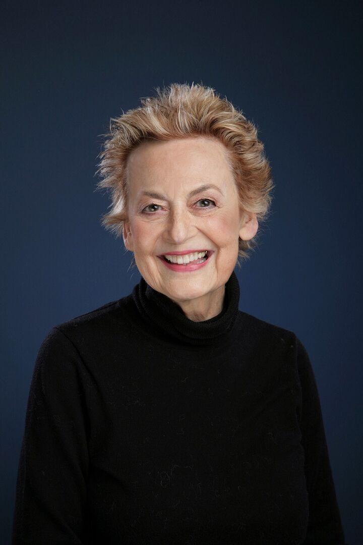 Sharon Seferos Pierce, Managing Broker in Shoreline, Windermere