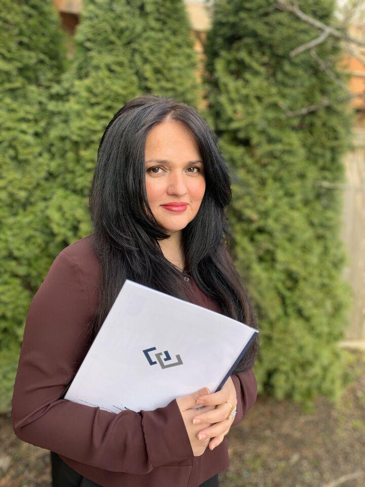 Alia Kiyani,  in Redmond, Windermere