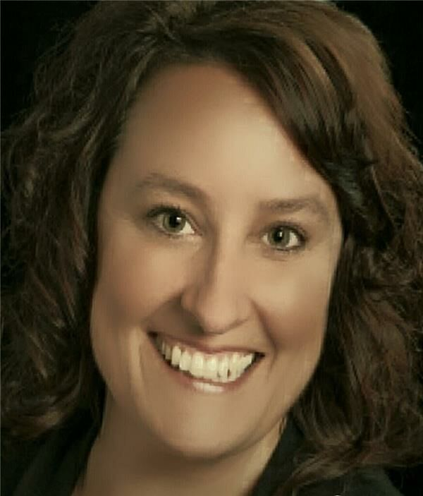 Angie Denny, Office Manager, Regional Manager in Bloomington, BHHS Indiana Realty