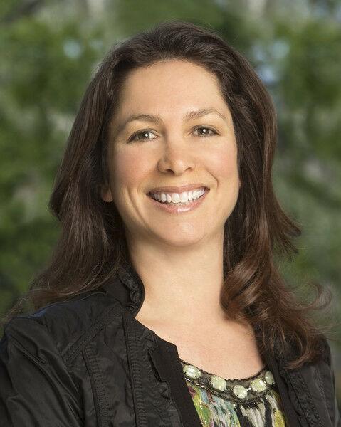 Tinaz Sheerer, Realtor in Los Altos, Sereno