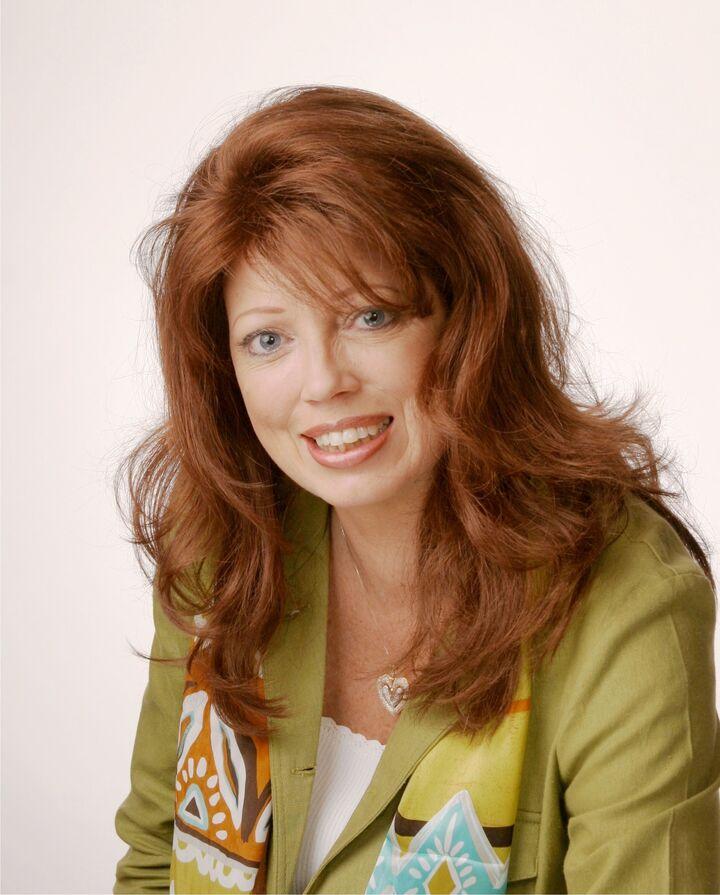 Barbara Barajas, REALTOR Associate in Riverside, Windermere